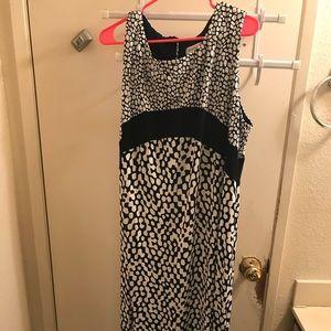 Avenue Plus Size 22/24W Black/White Dot Maxi Dress